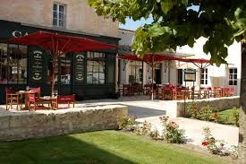 The Best Restaurants when visiting the Vineyards of Bordeaux