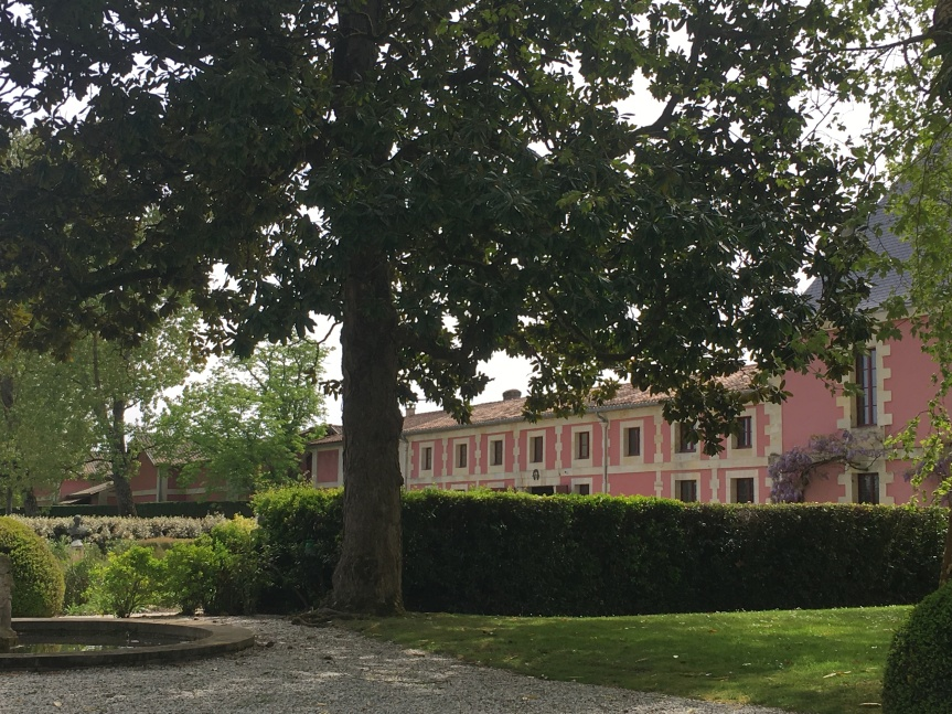 Behind the Pink Walls on the Route de Châteaux in the Medoc